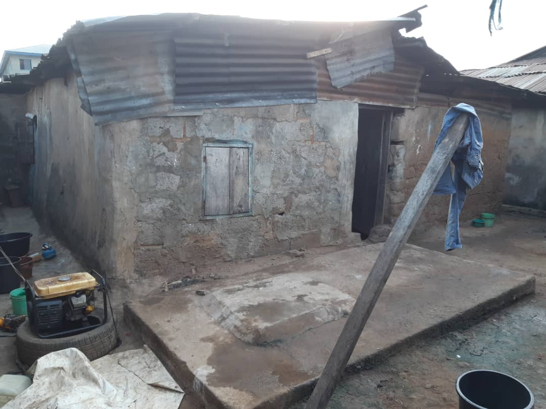 Over 1000sqm of land with old structures at Isale Oja market, Agege available for joint Venture