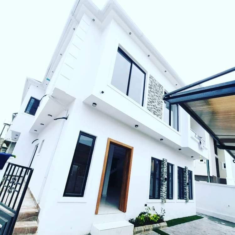 4 bedrooms elegant semi-detached duplex at Lekki Phase1 for sale