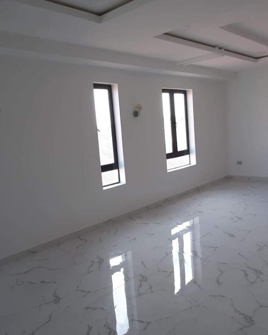 4 bedrooms elegant semi-detached duplex at Lekki Phase1 for sale