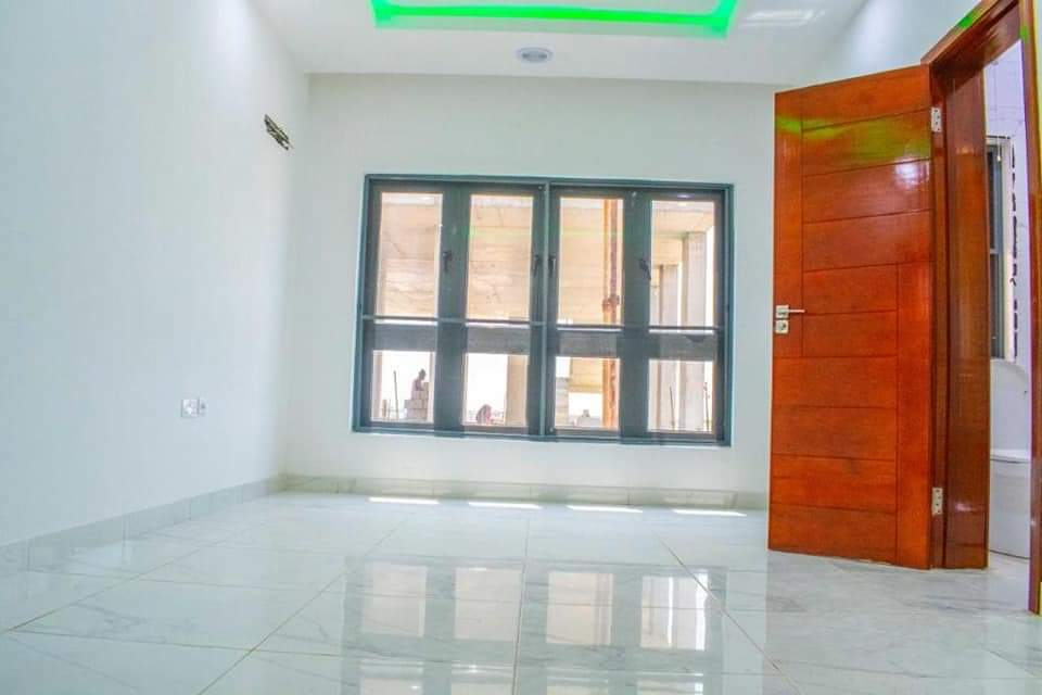 4 Bedroom Terrace Duplex with a Study and BQ at Lekki Phase 1 for sale