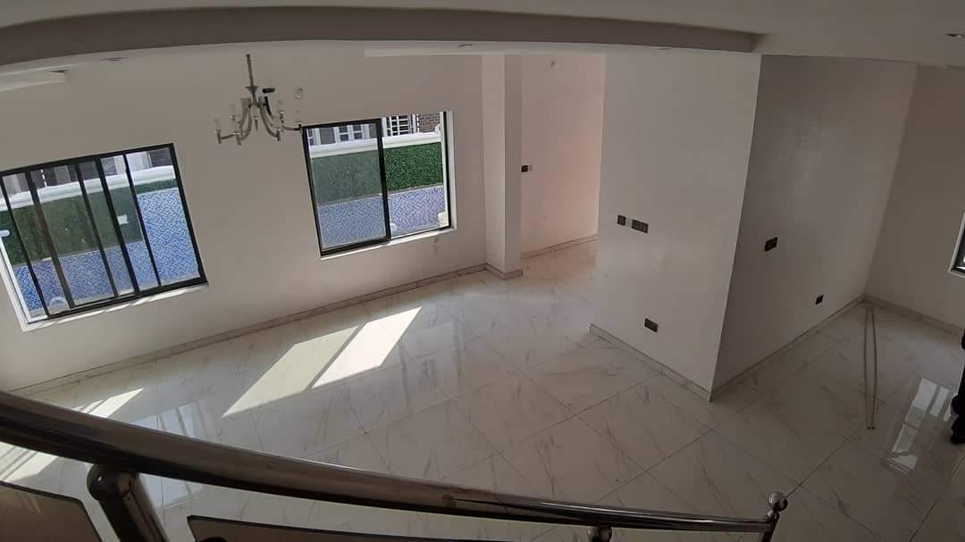 5 bedrooms detached duplex Off Duro Simi Etti in Lekki Phase 1 for rent