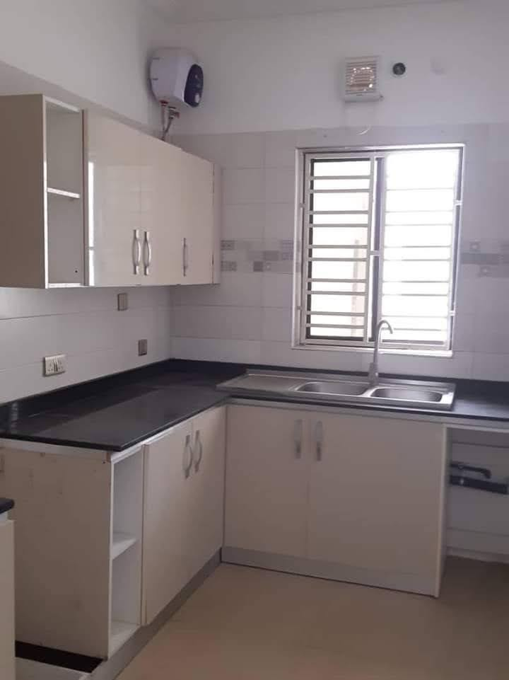Beautiful 2 bedroom apartment with ensuite rooms For rent at Ikoyi, Lagos