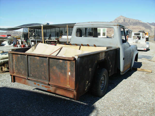 1960 International AA120 Australian serie pickup - Rear