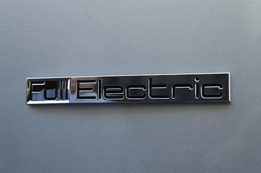 5 - Rentar un vehículo eléctrico, la mejor opción del futuro