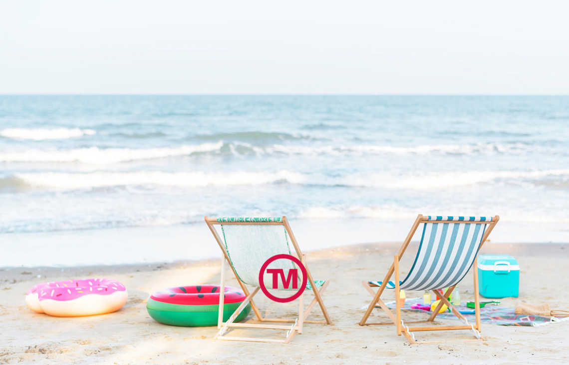 10 Quick-Delivery Promo Items To Keep Customers Cool This Summer