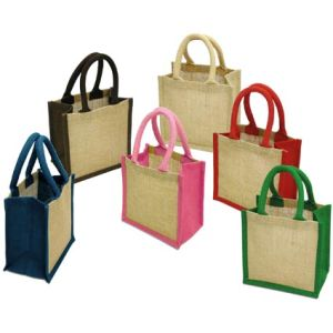 Choose from a wide range of gussets & handles with these printed jute bags