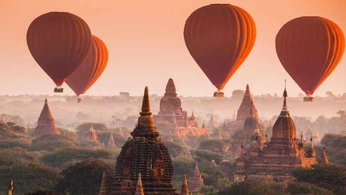 Ballonfahrt über den Tempeln