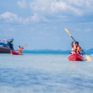 Sivalai Beach Resort in Ko Mook: Kayaking