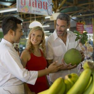 Anantara Chiang Mai Resort: local market tour