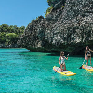 Shangri-La's Boracay Resort & Spa: Paddel board