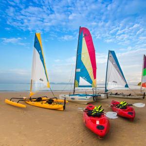Dusit Thani Krabi Beach Resort: Sailing