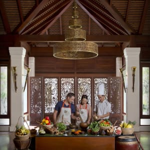 Anantara Angkor Resort in Siem Reap: Spice Spoons Cooking Class