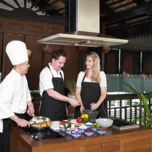 Anantara Riverside Bangkok Resort: Thai Cooking Class at The Market