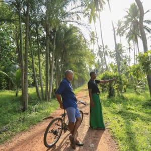 Horathapola Coconut Estate in Yakvila: Yakvila cycling and estate walks