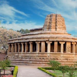 Karnatakas kulturelles Vermächtnis ab Goa: Aihole: temple