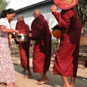 Good Morning Yangon: Alms Giving 002
