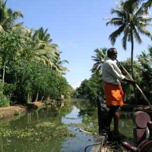 Backwaters von Kerala ab Kochi: Backwaters: cruising the canal