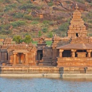 Karnatakas kulturelles Vermächtnis ab Goa: Badami: sacred temples