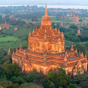 Le pays doré de Yangon: Bagan: impressive Pagoda