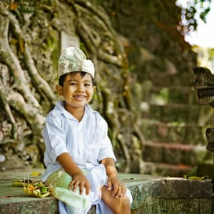 Java-Bali pour les fins connaisseurs de Yogyakarta: Bali boy in traditional costume