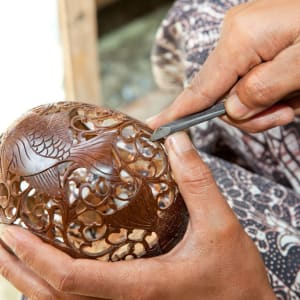 Artistes & artisans à Ubud: Bali coconut carving