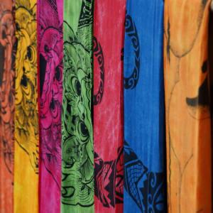 Découverte active de Bali de Sud de Bali: Bali colourful sarongs