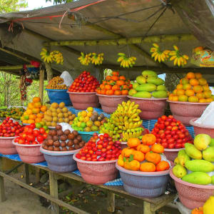 Bali riche en aventures de Sud de Bali: Bali Open air fruit market in a village