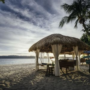 Club Paradise Palawan:  beach