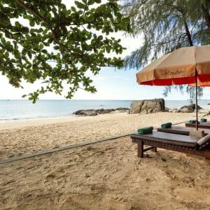 Wanaburee Resort à Khao Lak: Beach