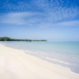 The Sarojin à Khao Lak: Beach