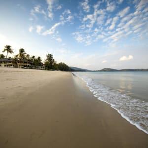 Outrigger Laguna Phuket Beach Resort: Beach