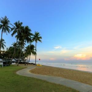 JW Marriott Khao Lak Resort & Spa: beach area