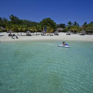 Bluewater Maribago Beach Resort in Cebu: Beach Cove