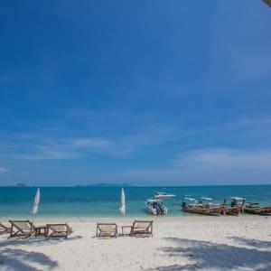 Sivalai Beach Resort in Ko Mook: Beachview to the sea