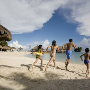 Bluewater Maribago Beach Resort à Cebu: Family Fun