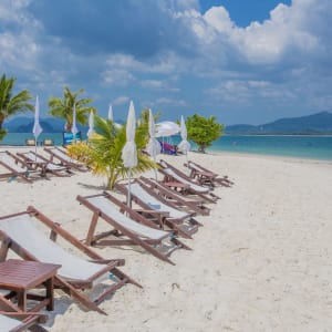 Sivalai Beach Resort in Ko Mook: Relaxing on the beach