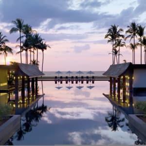 JW Marriott Khao Lak Resort & Spa: Sundown beach
