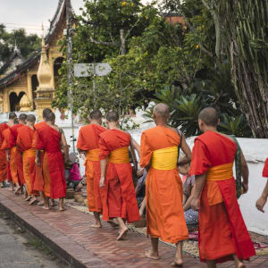 Découverte active de Luang Prabang: Buddhist Monks in Laos