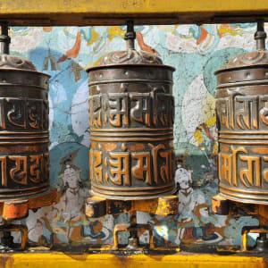 Himalaya Reise für Entdecker ab Bagdogra: Buddhist prayer wheels