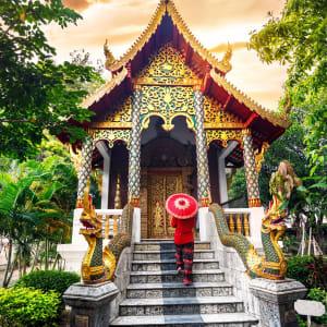 Thailand für Geniesser ab Bangkok: Chiang Mai Sunset at temple