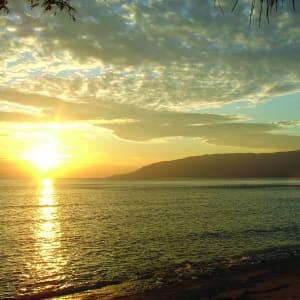 Le paradis inconnu du Timor-Leste de Dili: Com Beach: