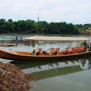 Ursprüngliches Dorfleben am Dohtawaddy Fluss in Mandalay: Dohtawaddy River sightseeing boat