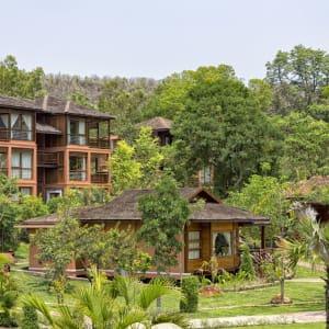 Popa Garden Resort in Bagan: Beautiful Garden