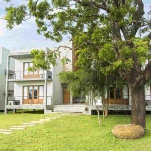 Aliya Resort & Spa in Sigiriya: Buildings