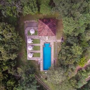 Living Heritage Koslanda à Ella/Haputale/Koslanda: Drone view of infinity pool Sri Lanka