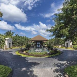 Shangri-La's Boracay Resort & Spa: Entrance