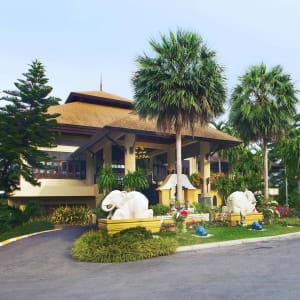 Fair House Beach Resort & Hotel à Ko Samui: Entrance to Lobby