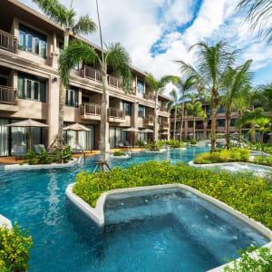 La Flora Khao Lak: Exterior - Seaside
