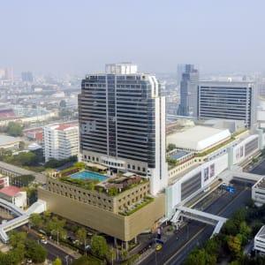 Pathumwan Princess in Bangkok: Exterior View