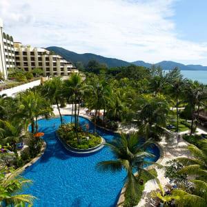 Parkroyal Penang Resort: Facade
